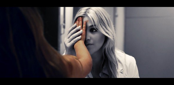 """Nóng hừng hực"" với MV mới từ Kelly Clarkson, Ke$ha, Jessie J 5"