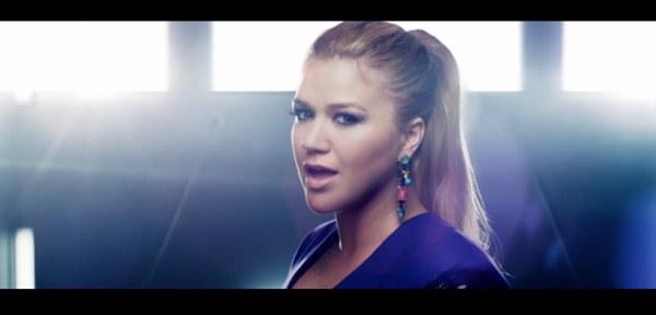 """Nóng hừng hực"" với MV mới từ Kelly Clarkson, Ke$ha, Jessie J 6"