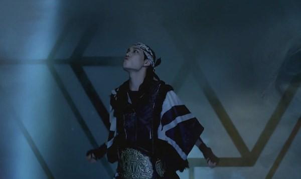 """Những hình ảnh khó quên của EXO trong MV """"Wolf"""" 21"""