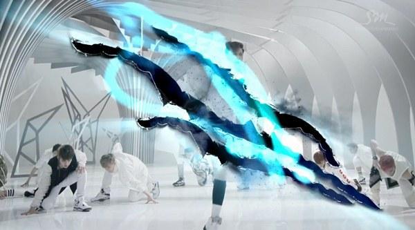 """Những hình ảnh khó quên của EXO trong MV """"Wolf"""" 30"""