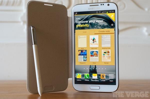 """Top 10 smartphone sở hữu thời lượng pin """"khủng"""" 1"""