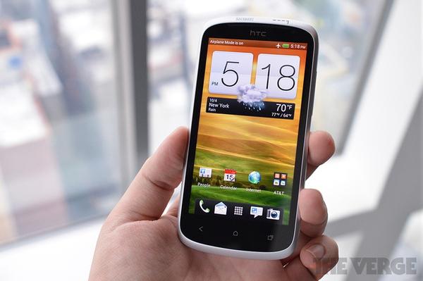"""Top 10 smartphone sở hữu thời lượng pin """"khủng"""" 9"""