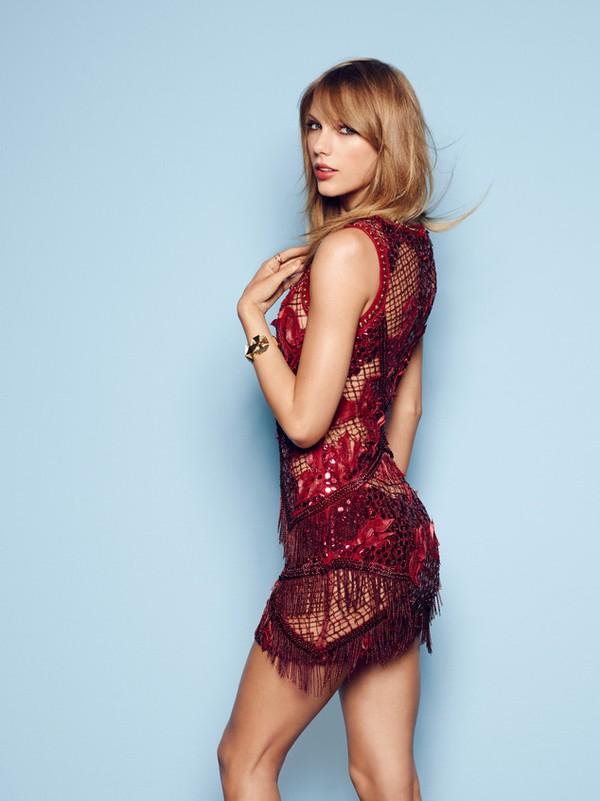 """Taylor Swift bức xúc vì bị gọi là """"lẳng lơ"""" 1"""