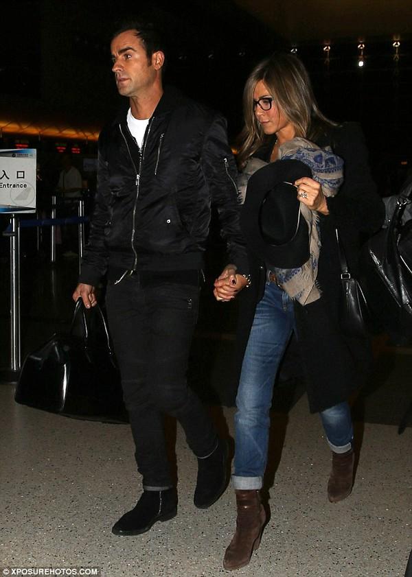 Jennifer Aniston tha thứ cho Brad Pitt và Angelina Jolie 2