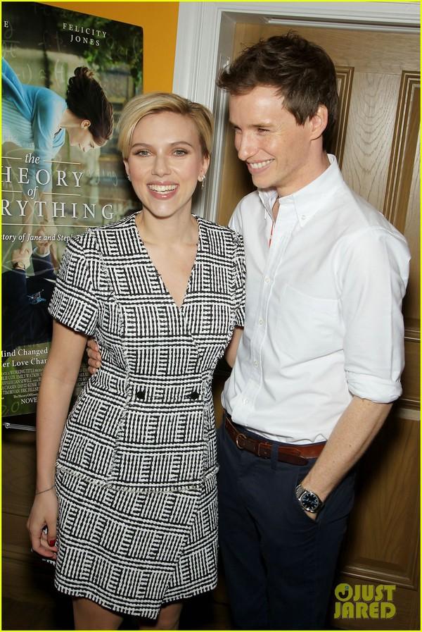 Scarlett Johansson thon gọn đáng kinh ngạc 2 tháng sau khi sinh 2