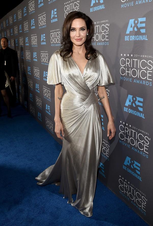 "Angelina Jolie đọ sắc Jennifer Aniston tại ""Critics' Choice Movie Awards"" 1"