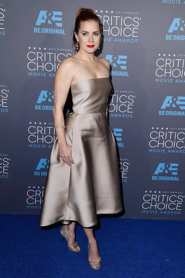"Angelina Jolie đọ sắc Jennifer Aniston tại ""Critics' Choice Movie Awards"" 11"