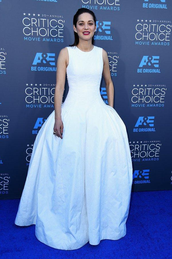 "Angelina Jolie đọ sắc Jennifer Aniston tại ""Critics' Choice Movie Awards"" 12"