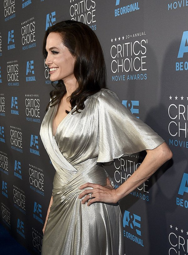 "Angelina Jolie đọ sắc Jennifer Aniston tại ""Critics' Choice Movie Awards"" 4"