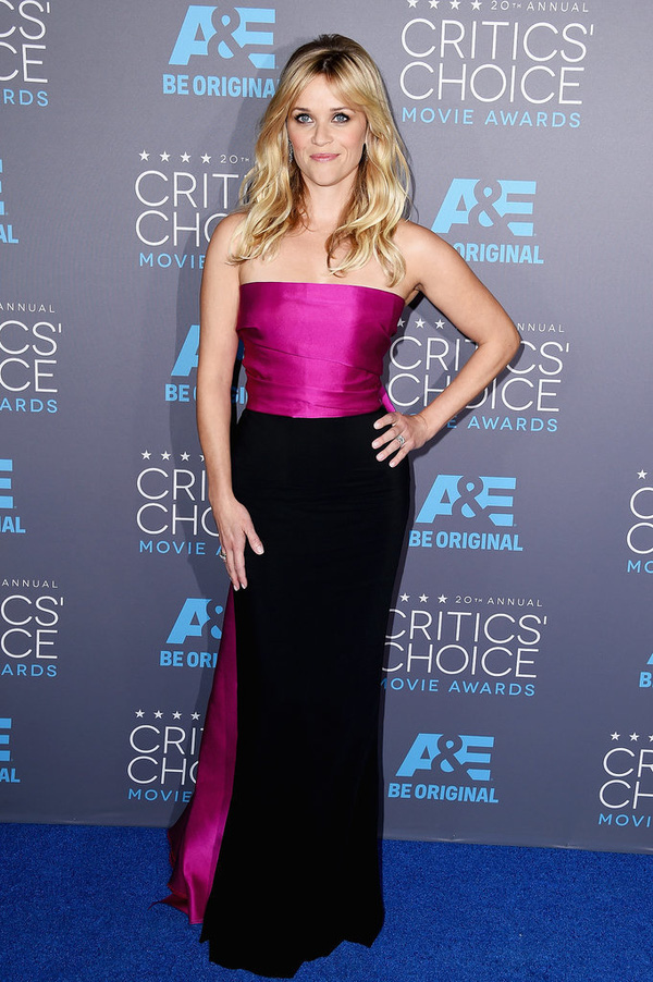 "Angelina Jolie đọ sắc Jennifer Aniston tại ""Critics' Choice Movie Awards"" 16"