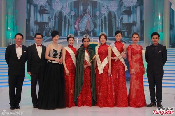 Tân Hoa hậu Quốc tế Trung Quốc 2015 bị chê da đen, xồ xề 9