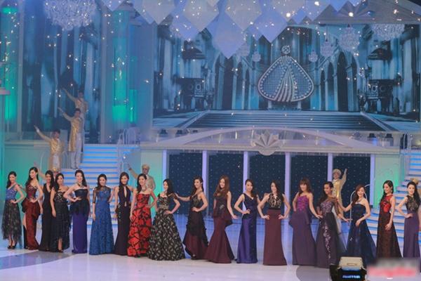 Tân Hoa hậu Quốc tế Trung Quốc 2015 bị chê da đen, xồ xề 10