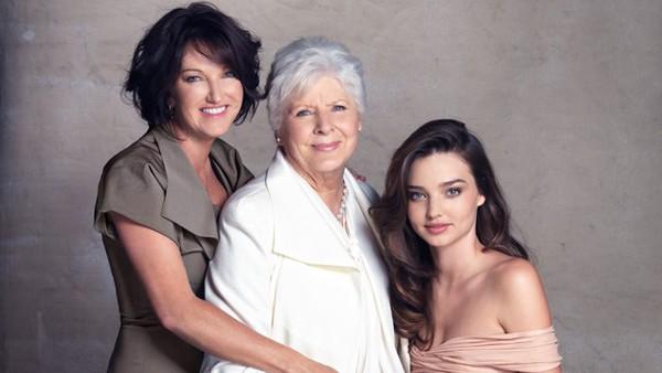 Những ngôi sao Hollywood thừa hưởng vẻ đẹp tuyệt sắc từ bố mẹ 4