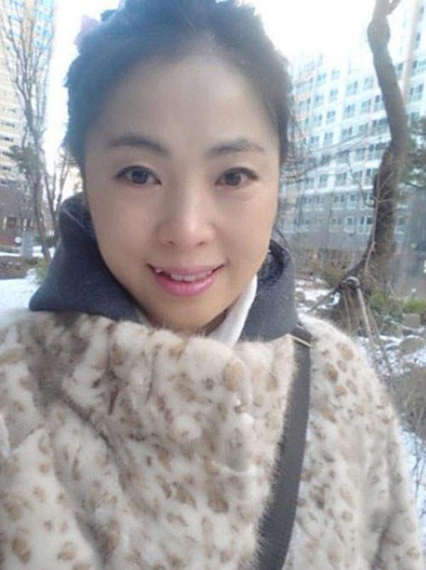 Hàn quốc: Bà mẹ U50 trẻ như con gái 7