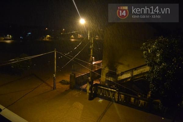 Huế: mưa lớn gây ngập lụt nặng toàn thành phố 5