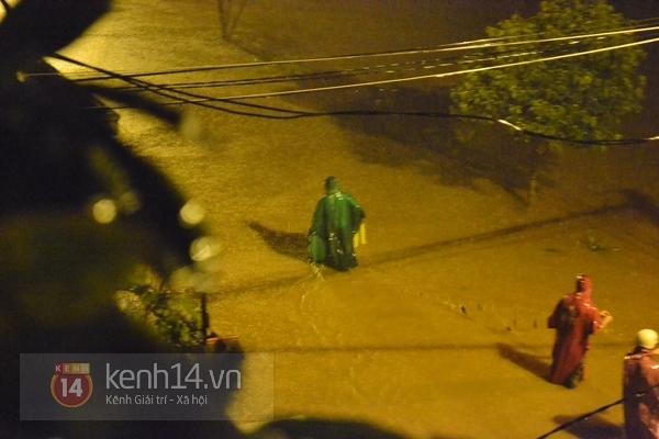 Huế: mưa lớn gây ngập lụt nặng toàn thành phố 7