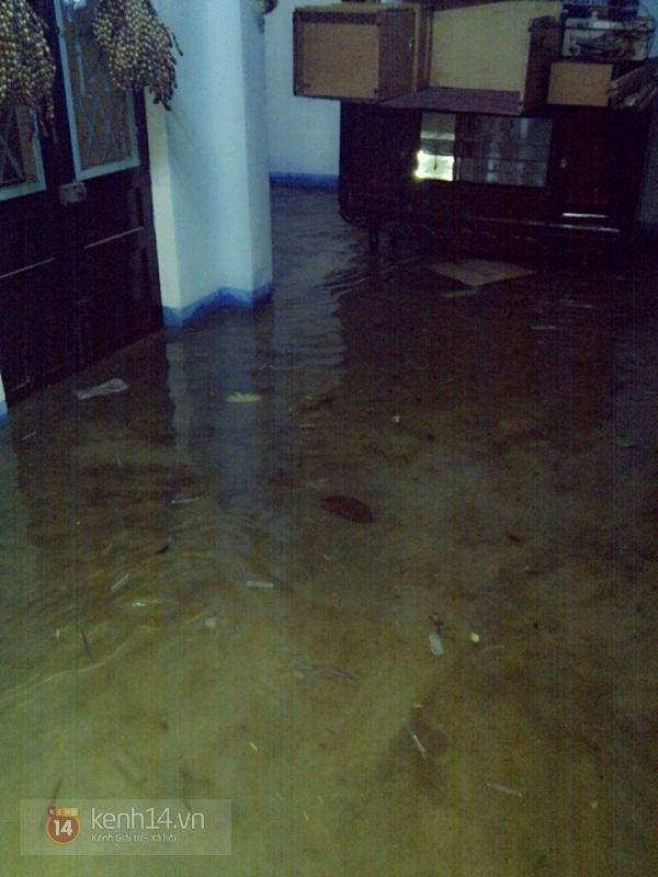 Huế: mưa lớn gây ngập lụt nặng toàn thành phố 8
