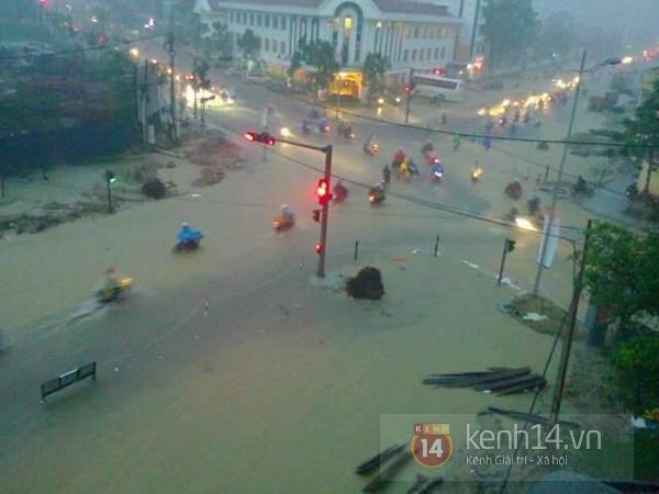 Huế: mưa lớn gây ngập lụt nặng toàn thành phố 9
