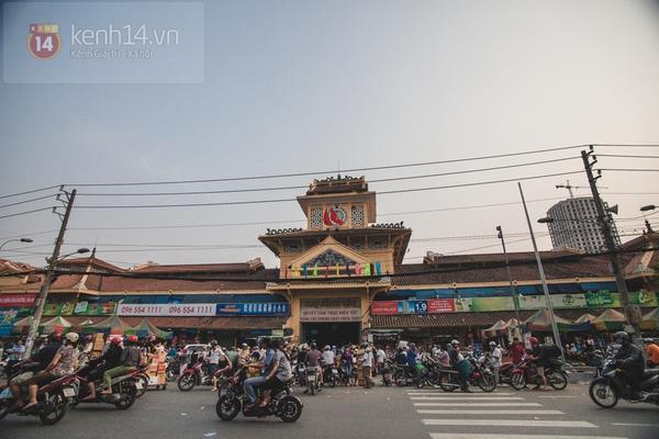 Chùm ảnh: Rộn ràng và tấp nập những khu chợ nổi tiếng Sài Gòn 12