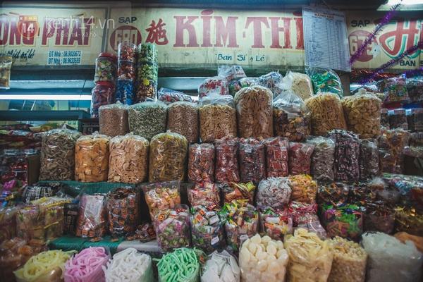 Chùm ảnh: Rộn ràng và tấp nập những khu chợ nổi tiếng Sài Gòn 16