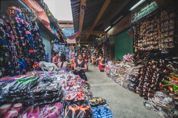 Chùm ảnh: Rộn ràng và tấp nập những khu chợ nổi tiếng Sài Gòn 17