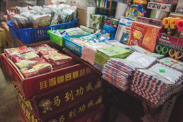 Chùm ảnh: Rộn ràng và tấp nập những khu chợ nổi tiếng Sài Gòn 18
