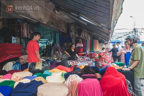 Chùm ảnh: Rộn ràng và tấp nập những khu chợ nổi tiếng Sài Gòn 27