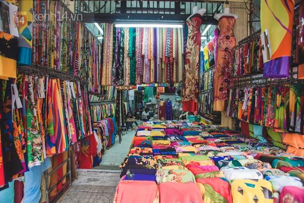 Chùm ảnh: Rộn ràng và tấp nập những khu chợ nổi tiếng Sài Gòn 31