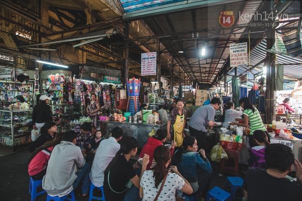 Chùm ảnh: Rộn ràng và tấp nập những khu chợ nổi tiếng Sài Gòn 21