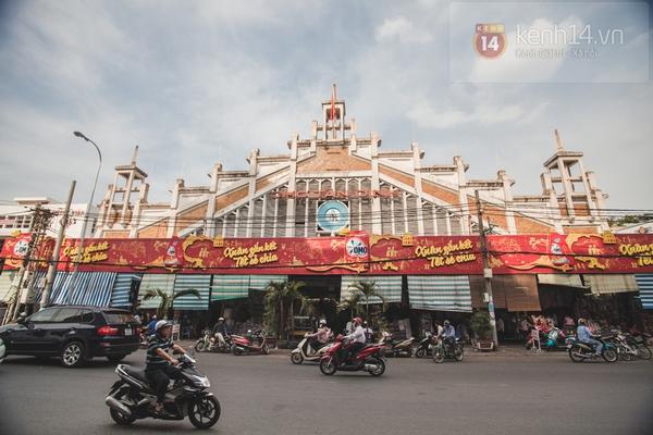 Chùm ảnh: Rộn ràng và tấp nập những khu chợ nổi tiếng Sài Gòn 20