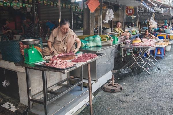 Chùm ảnh: Rộn ràng và tấp nập những khu chợ nổi tiếng Sài Gòn 23