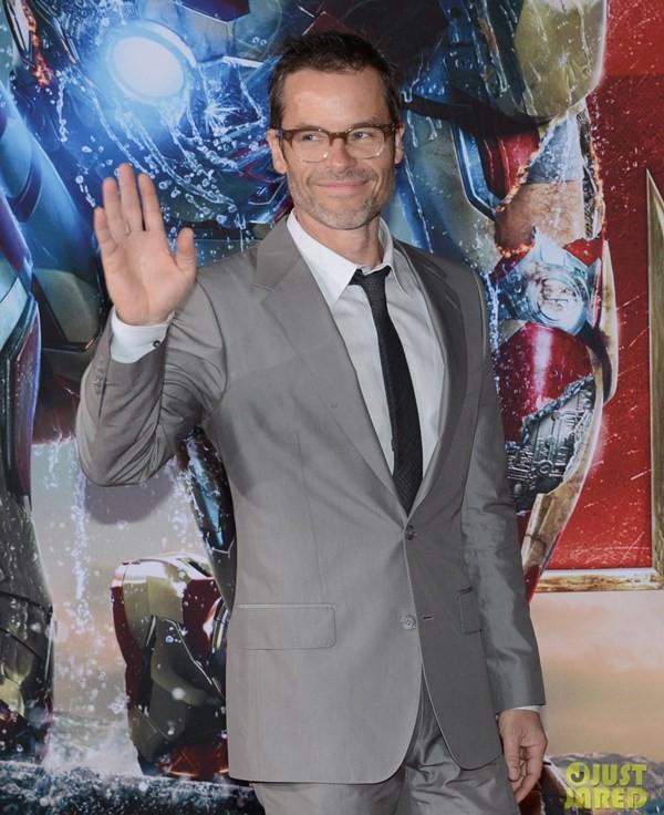 """Màn thân mật gây choáng trên thảm đỏ """"Iron Man 3"""" 10"""