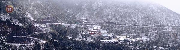 Chùm ảnh: Du khách thích thú chụp ảnh cùng tuyết trắng ở Sa Pa 15