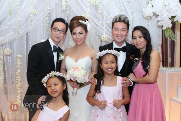 """Con gái Cẩm Ly hóa """"thiên thần rải hoa"""" trong đám cưới Minh Tuyết 16"""