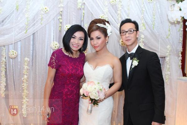 """Con gái Cẩm Ly hóa """"thiên thần rải hoa"""" trong đám cưới Minh Tuyết 18"""