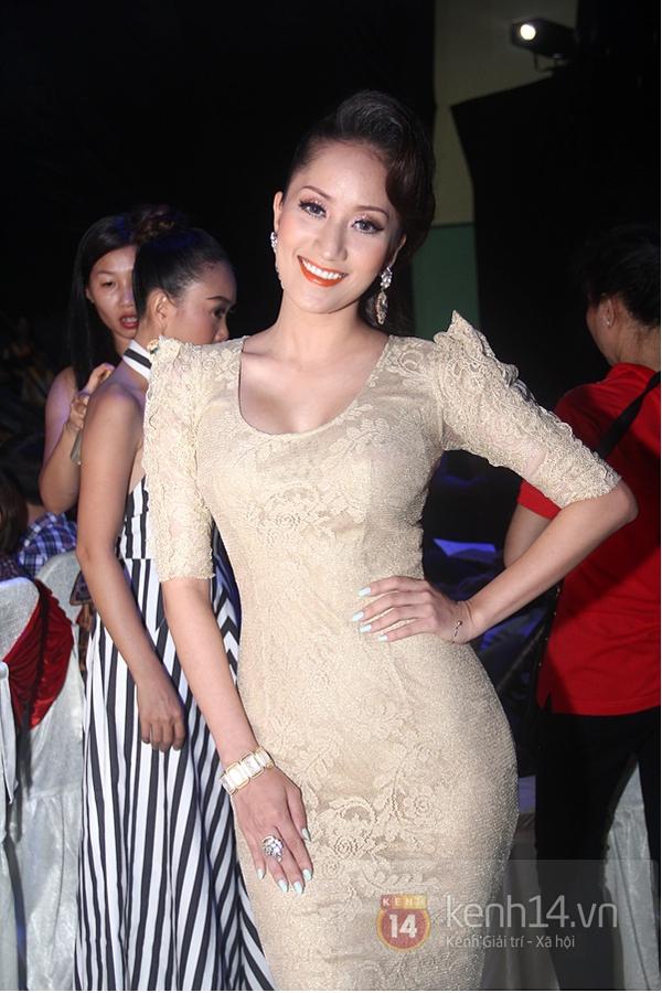 Nam Thành dẫn chị gái Hoàng My xuống Vũng Tàu xem nhảy 6