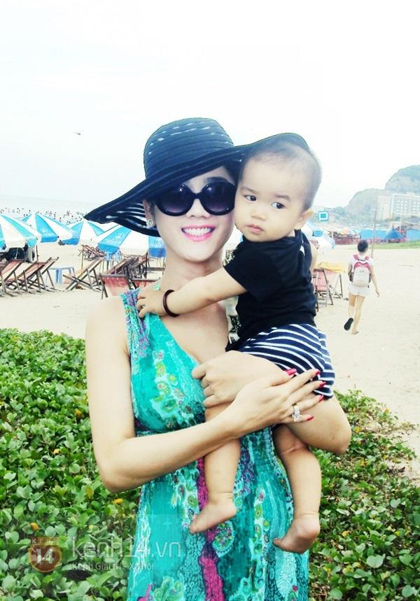 Lâm Chi Khanh lần đầu khoe body nóng bỏng với bikini 1