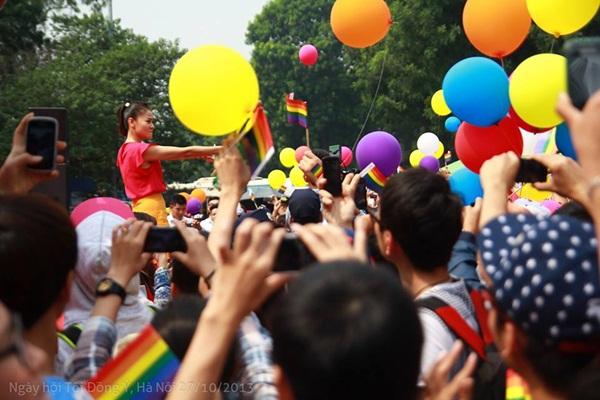 Nhiều sao Việt lên tiếng ủng hộ cho người đồng tính 2