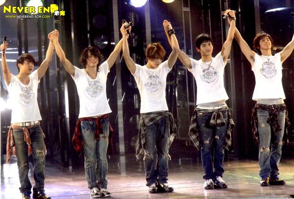 """DBSK 10 năm: """"Tượng đài sống"""" hoàn hảo nhất Kpop 16"""