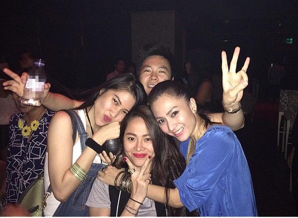 Hậu chia tay Văn Mai Hương, Lê Hiếu vui vẻ đi bar với Tăng Thanh Hà 3