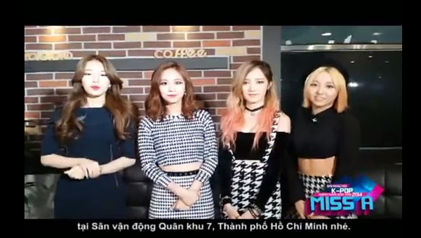 HOT Clip: SNSD rạng rỡ chào fan Việt, BTC trải thảm đó đón sao Hàn ở Tân Sơn Nhất 5