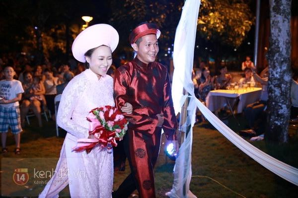Khánh Linh rạng rỡ trong lễ cưới đặc biệt tổ chức ở ngoài trời 15