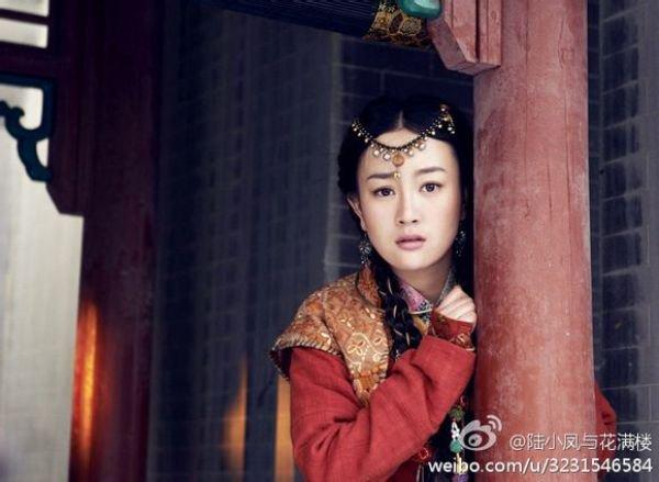 Vương Ngữ Yên 2013 sánh vai mỹ nam TVB 2