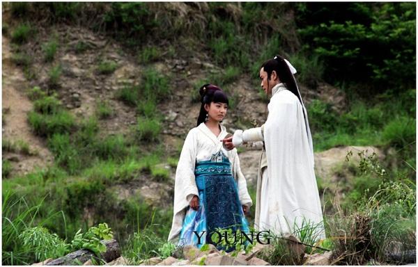 Angela Baby - Trần Nghiên Hy tranh ngôi Nữ hoàng rating 2014 15