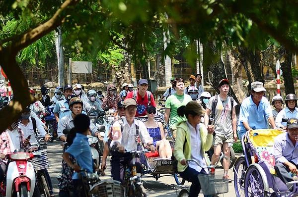 Dàn sao Hàn gây náo loạn ở Huế và Phan Thiết 9