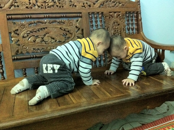 Minh Vương (M4U) khoe 2 con trai nuôi song sinh 19