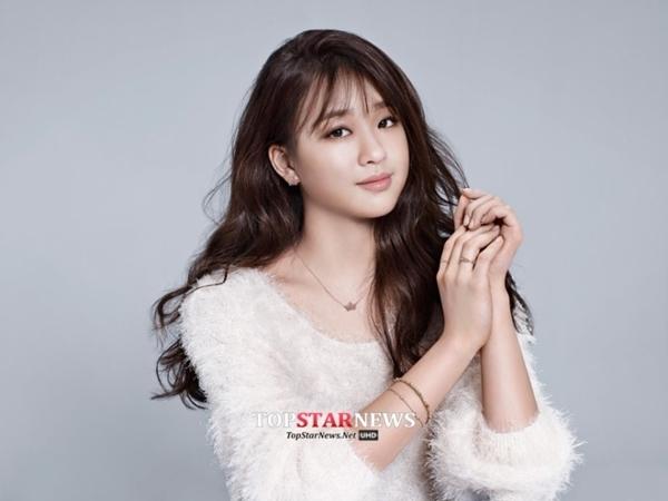 """""""Bông hoa thể dục xứ Hàn"""" gây bất ngờ tại sự kiện với phong cách sexy 13"""