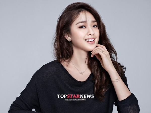 """""""Bông hoa thể dục xứ Hàn"""" gây bất ngờ tại sự kiện với phong cách sexy 10"""
