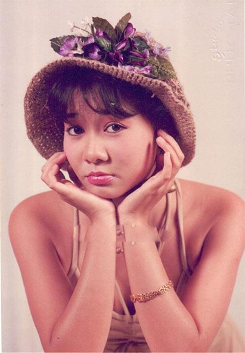 """Ngắm vẻ đẹp qua năm tháng của 4 """"nữ hoàng"""" showbiz Việt 18"""