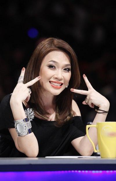 """Ngắm vẻ đẹp qua năm tháng của 4 """"nữ hoàng"""" showbiz Việt 33"""